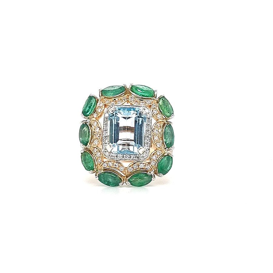 18 krt. bicolour ring met aquamarijn, smaragden en briljanten