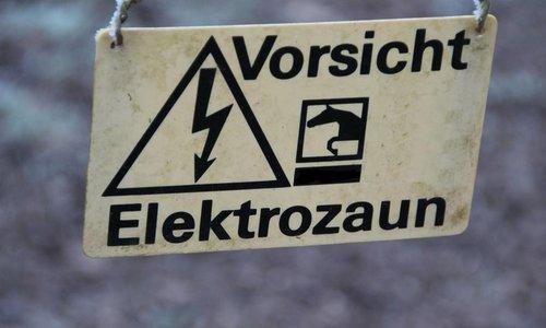 9 V und 12 V Weidezaun batterien