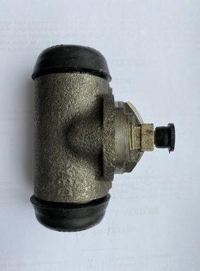 "Peugeot 4402-10 Remcylinder achterzijde 403L, 403U5, 403U8 1"" 1/8"