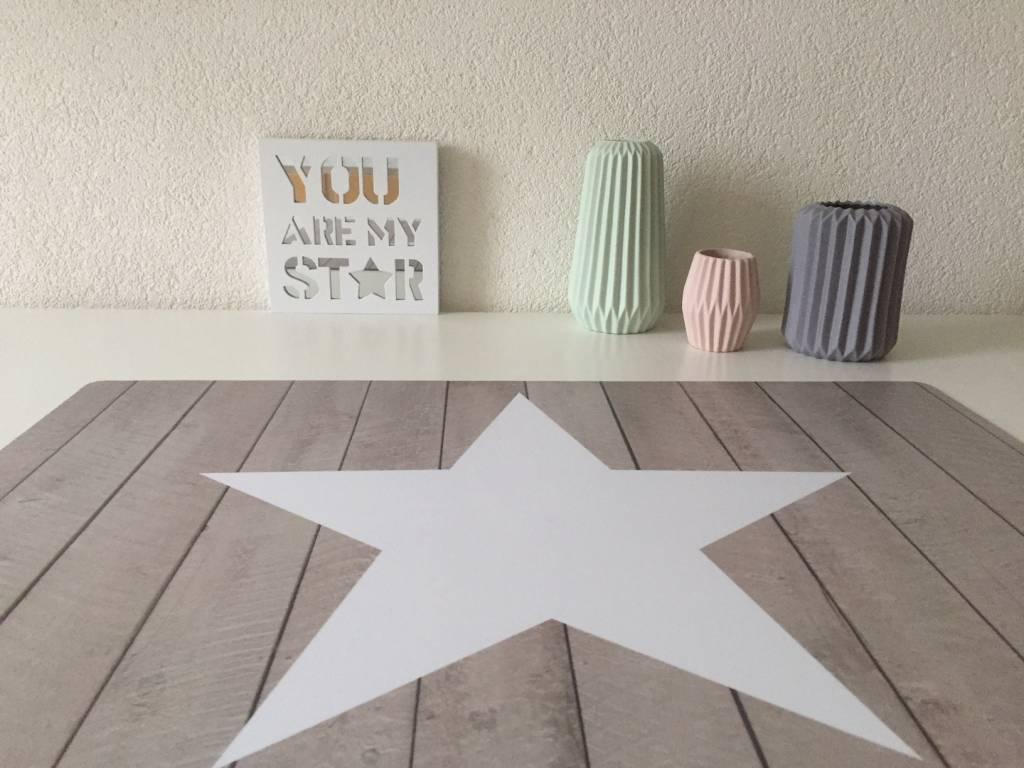 Bureau onderlegger Steigerhout met STER wit, stoer en fris voor jongens en meisjes