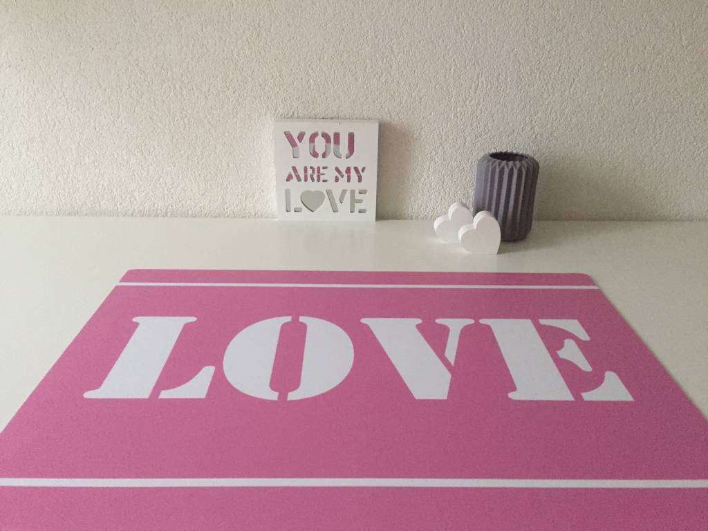 Bureau onderlegger LOVE in roze en wit, GIRLS love it