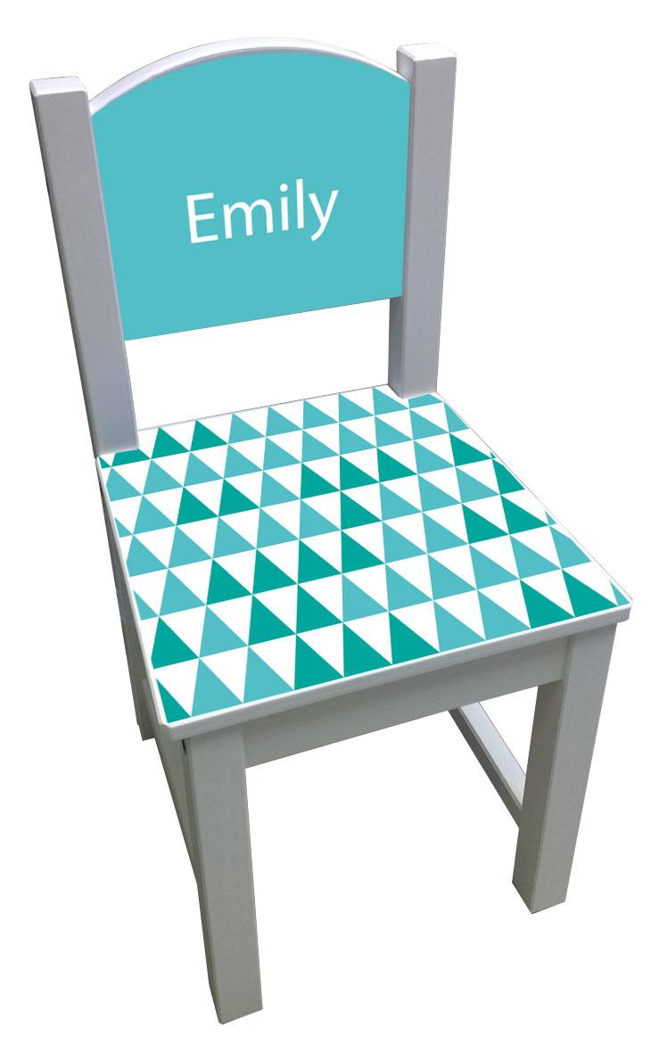 Kinderstoel met turquoise/groen driehoeken patroon