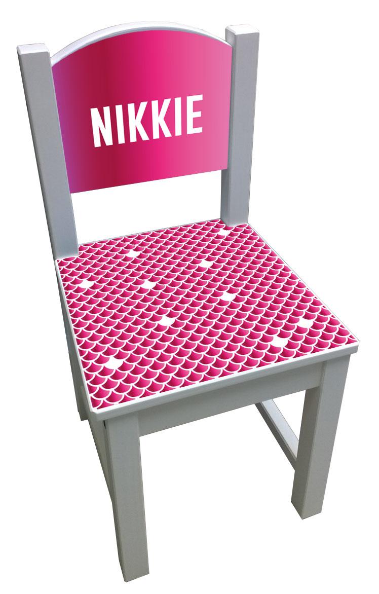 Kinderstoel met roze schubben