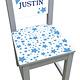 Kinderstoel met blauwe sterren