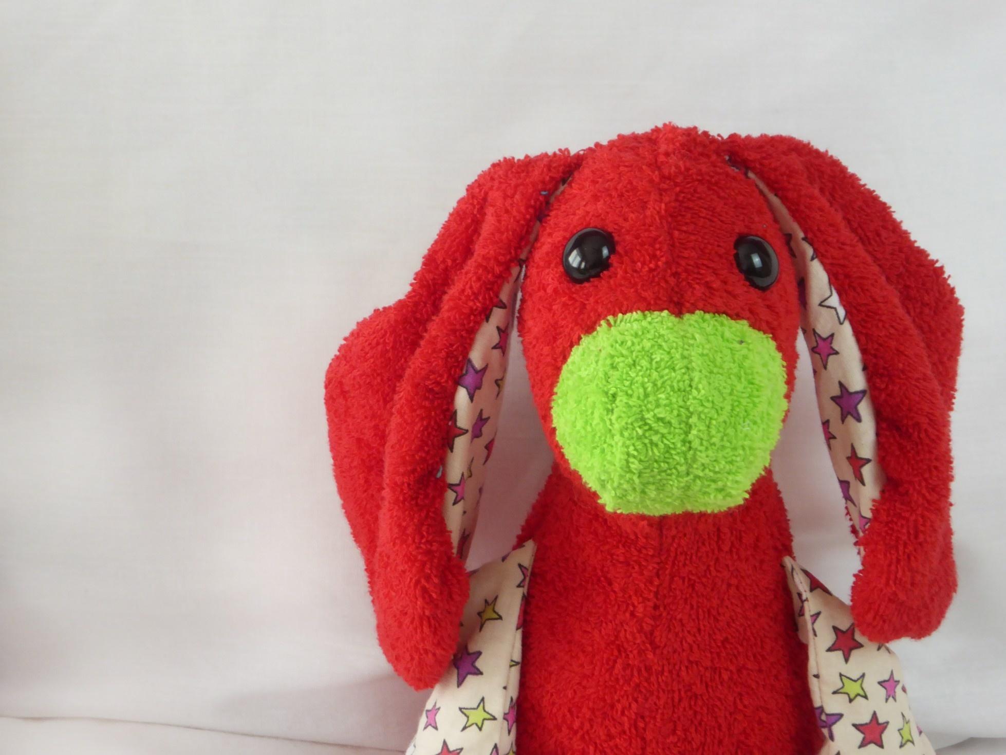 Tutter Roez-je, de kleine rode  Kroelio met grote oren
