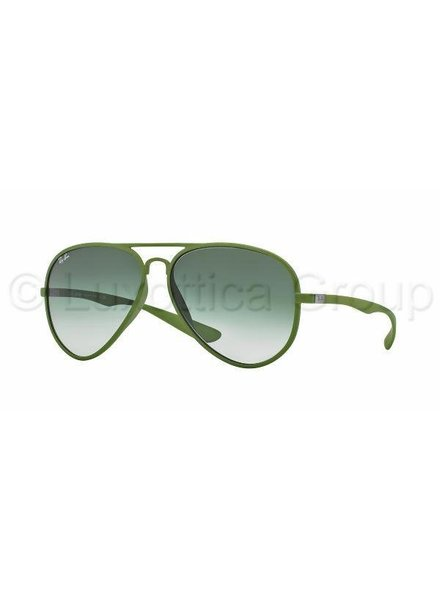 Ray-Ban Aviator Liteforce - RB4180 60868E