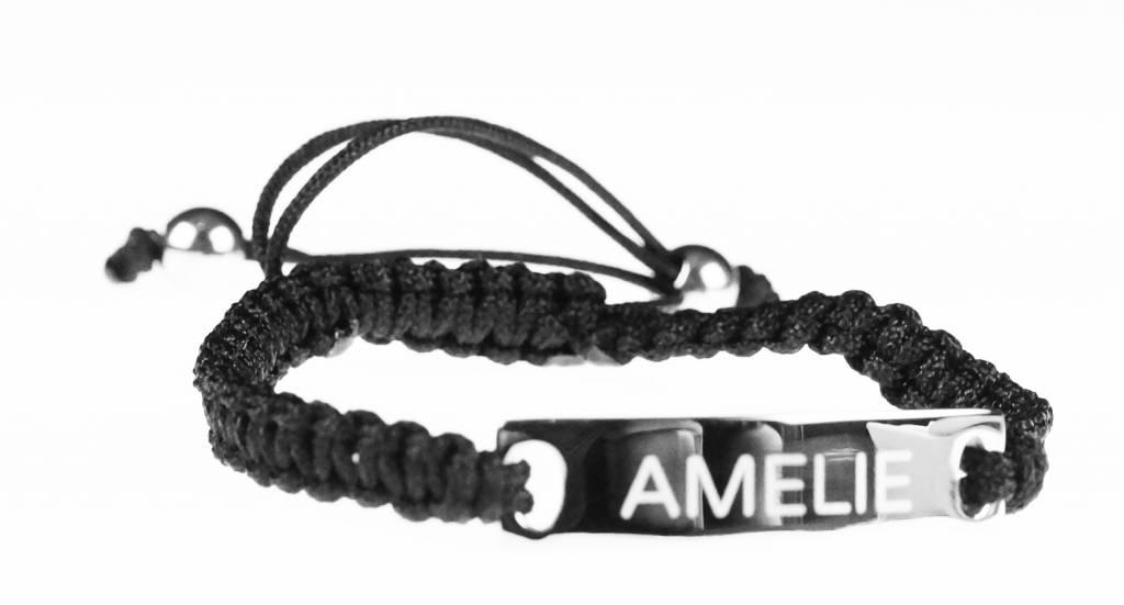 Armbandje met touwtje