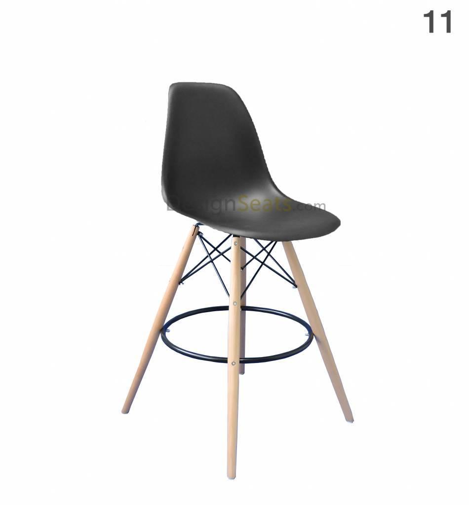 DSW BAR Eames design chair