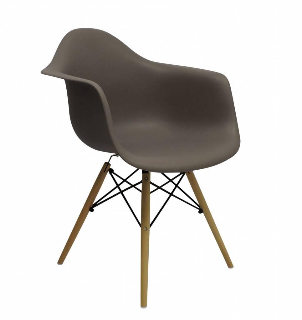 DAW Eames Design Stoel Bruin 6 kleuren