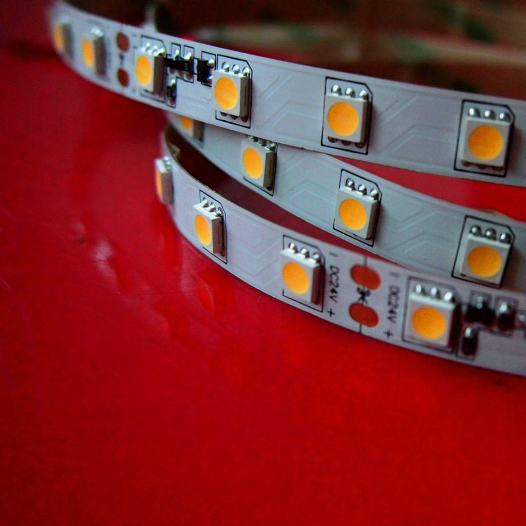 Vallas Led strip 14.4w/m SMD5050 constante stroom