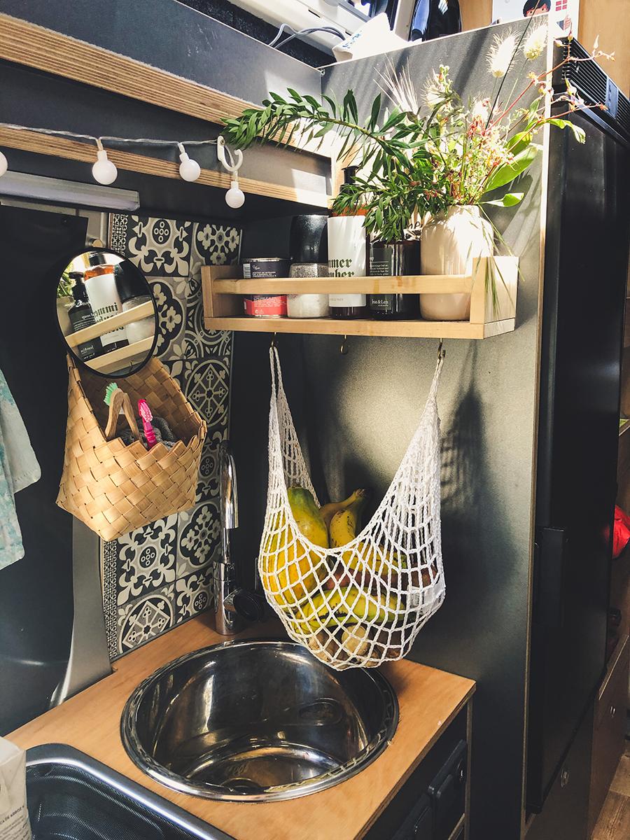 Vanlife Packliste Bad Küche Spiegel Obstnetz