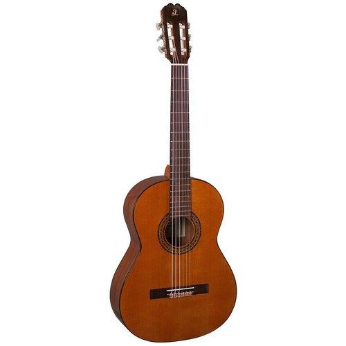 Admira Admira A1 Classical Guitar, Solid Cedar Top, Sapelli Back