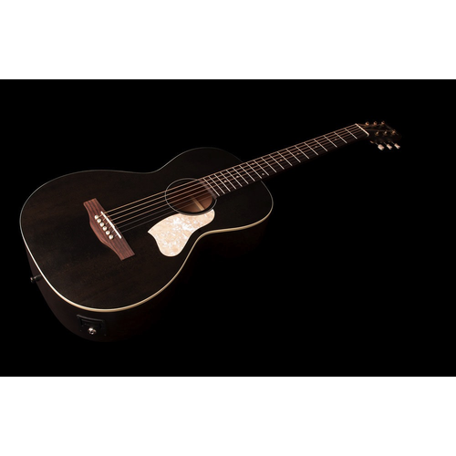 Art & Lutherie Art & Lutherie Roadhouse Parlour Electro-Acoustic, Solid Spruce Top, Wild Cherry Back, Faded Black w/ Fishman Sonitone
