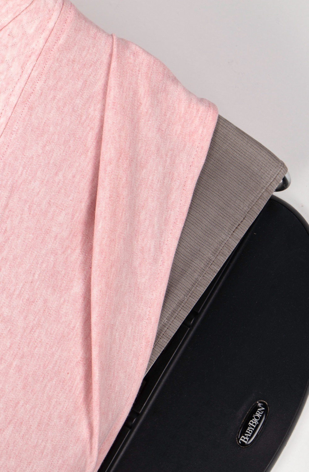 Protective cover for the Babybjörn bouncer Chevron Pink Melange-5