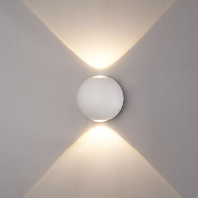 LED Wandlamp Globe Dubbelzijdig Lichtgevend Wit  - 3000K -  6W - IP65