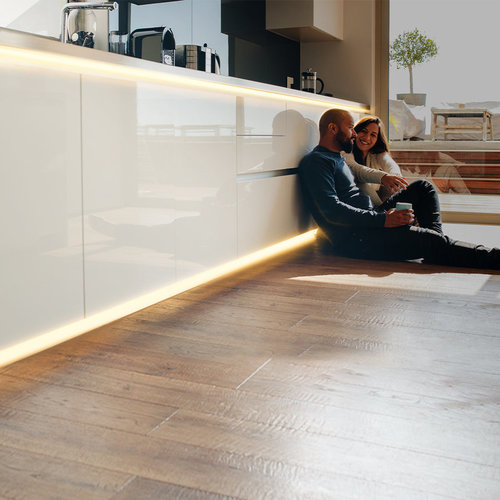 Lightexpert.nl LED Strip 2M - Warm 3000K - Plug & Play - IP65 - Dimbaar
