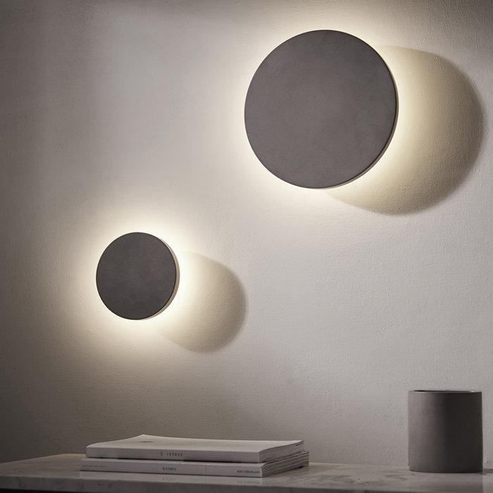 Noe - Minimalist Concrete Disc Wall Light - Large