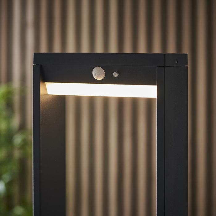 Dannah - Solar-Powered Small Bollard Light