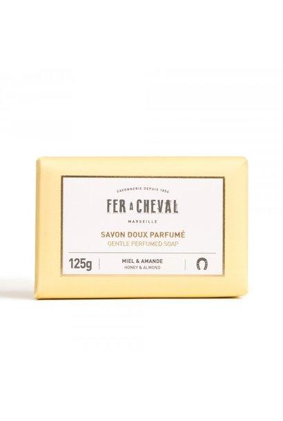 Geparfumeerde Marseille zeep honing-amandel 125g