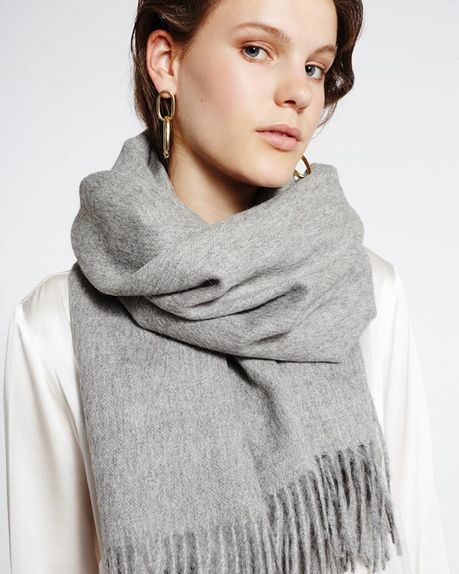Karin alpaca scarf / light grey
