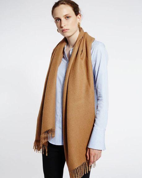 Karin alpaca scarf / camel