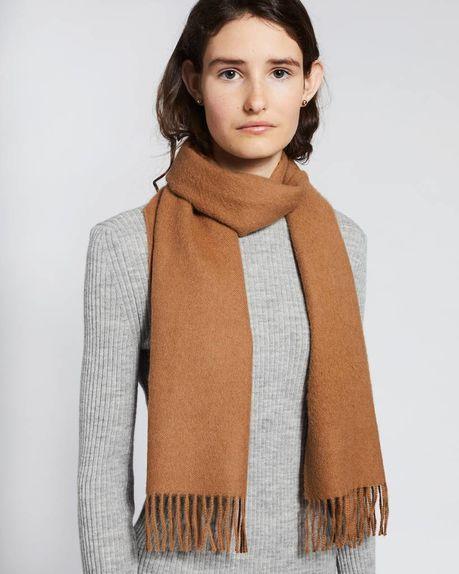 Karin small alpaca scarf / camel