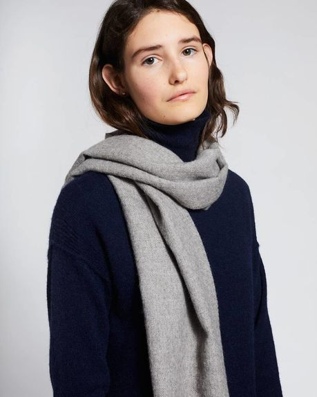 Karin small alpaca scarf / light grey