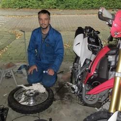 Hoe bereid ik mijn motor voor op een lange reis?