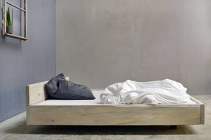 FraaiBerlin Bauholz Bett Lussan Rückenlehne White Wash
