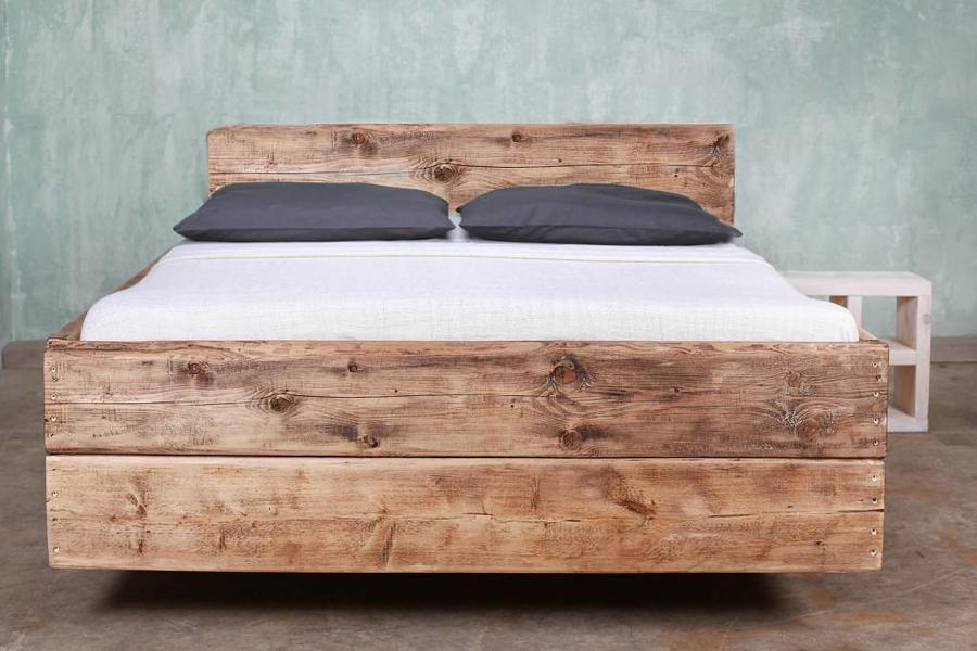 FraaiBerlin Bauholz Bett Cucuron Rotbraun mit Rückenlehne