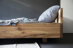 FraaiBerlin Bett aus Vollholz Esche Lussan mit Lehne