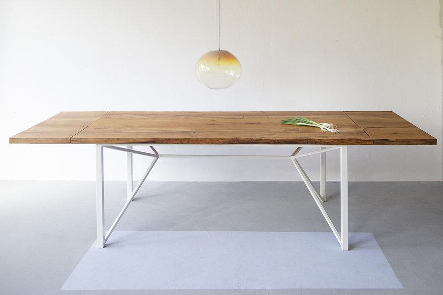 FraaiBerlin Esstisch aus Altholz Eiche Loren/Donoe weiß mit Ansteckplatten