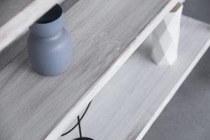 FraaiBerlin Regal Sinem aus Bauholz & Eisen white wash