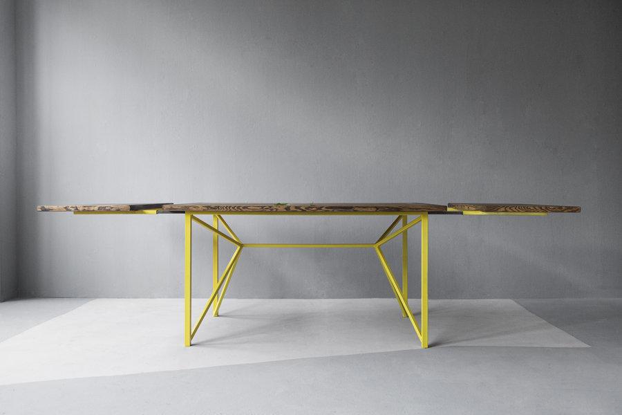 FraaiBerlin Tisch Jasmijn/Donoe aus Bauholz und Eisen gelb