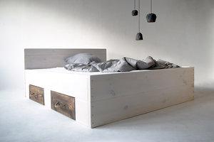 FraaiBerlin Bauholz Bett Changy white washed mit 2 kleinen Schubladen