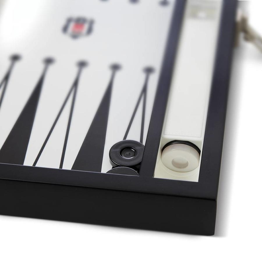Beşiktaş backgammon met houten vloer