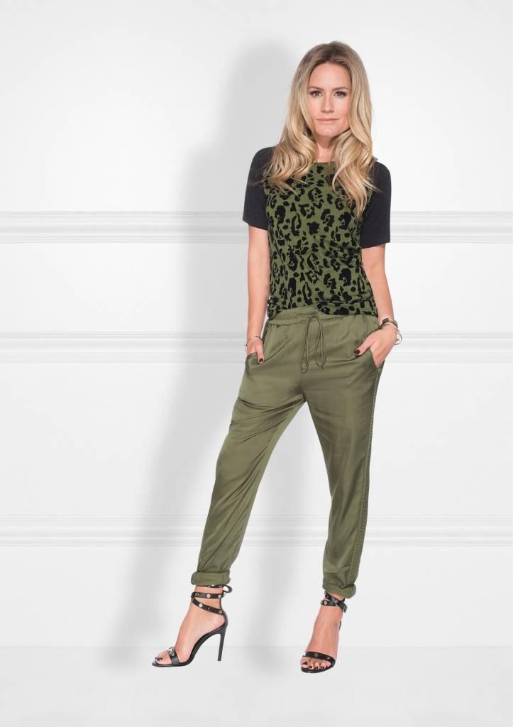 NIKKIE Groen Nikkie Leopard Flock  Shirt
