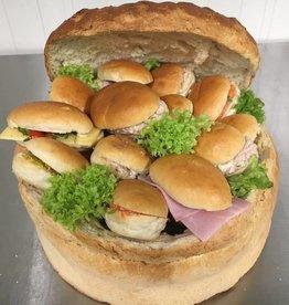 Verrassingsbrood met mini-sandwiches, classic beleg