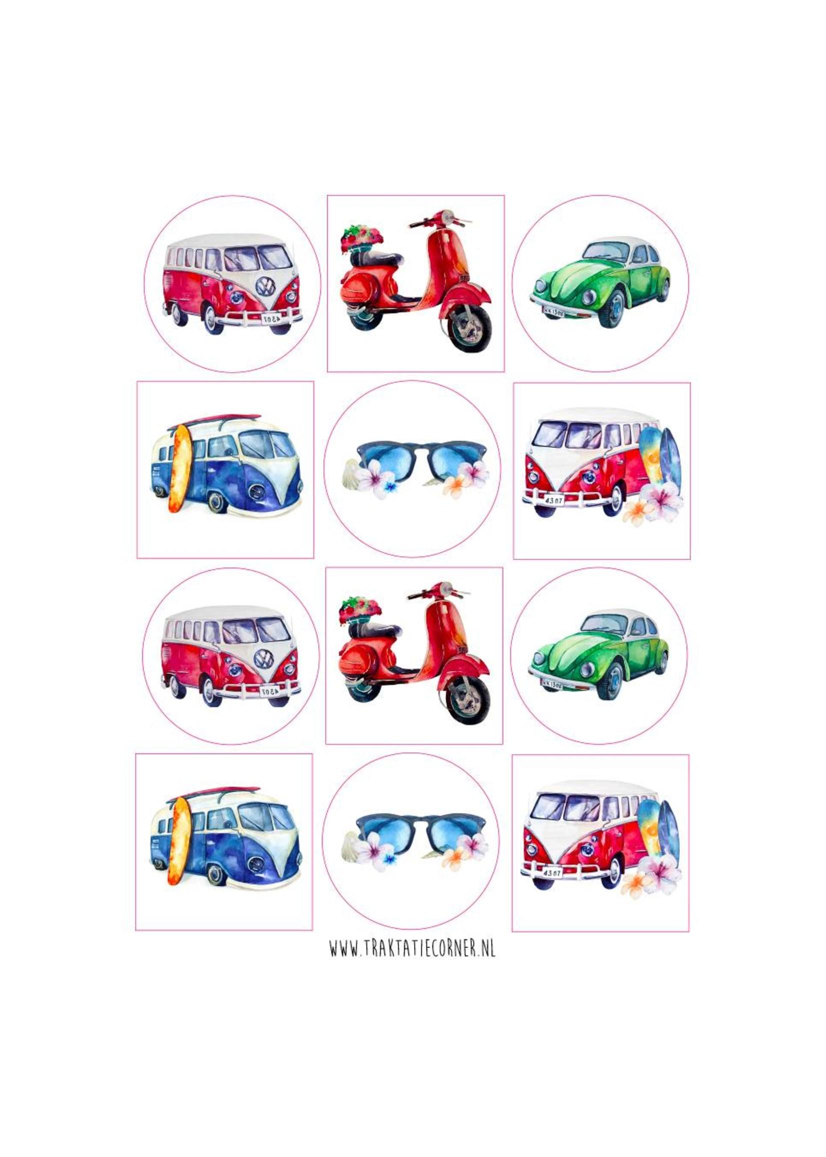 Set van 12 vrolijke zomerse vervoersmiddelen.