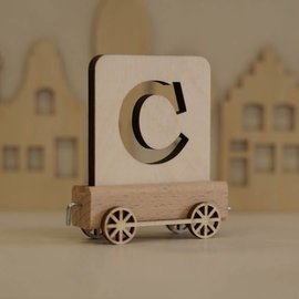 Houten Lettertrein Letter C