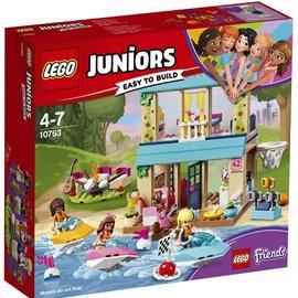 Lego Lego 10763 Stephanie's huisje aan het meer