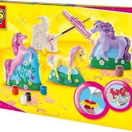 SES SES Gieten en schilderen paarden
