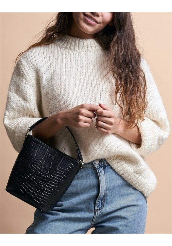 Bobbi Bucket Bag Eco-Croco Classic Leather
