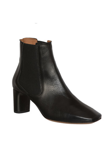 Anonymous Boots Dreami