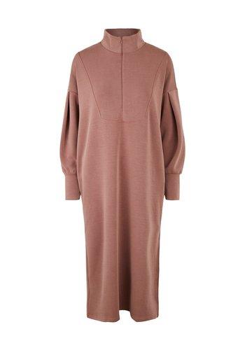 Y.A.S Dress Como