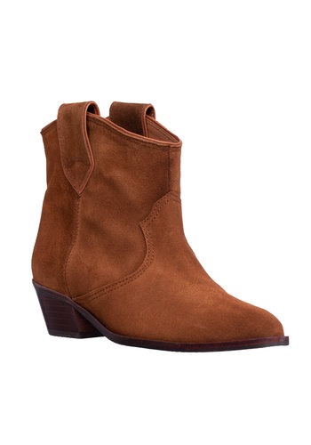 Anonymous Boots Joan
