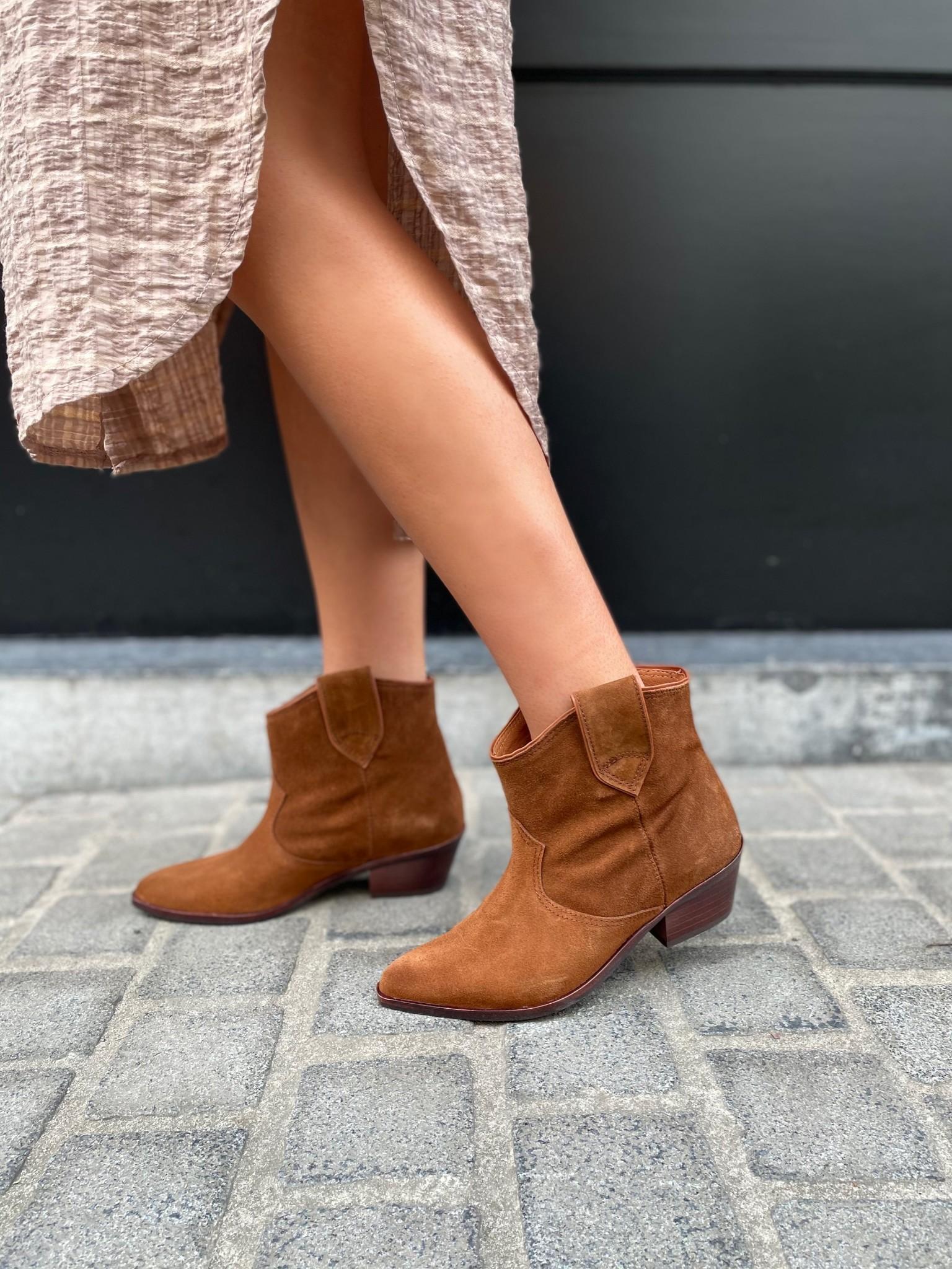 Boots Joan