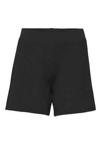 Selected Shorts Maxa