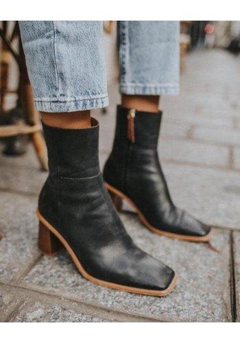 Alohas Boots West