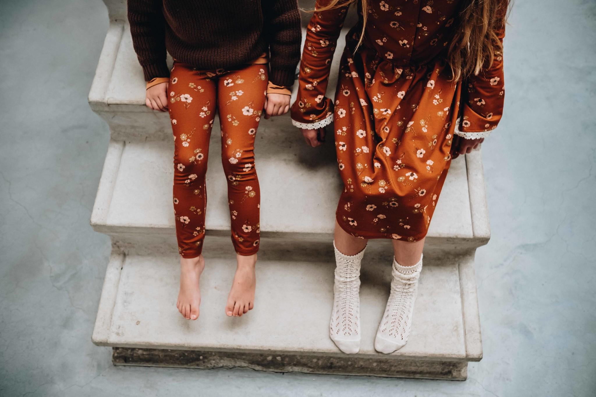 Blossom kids Knitted jumper | dark chocolate